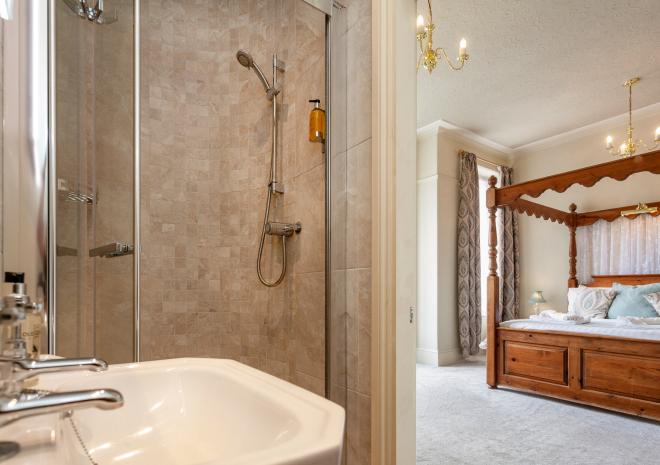Four Poster Suite - Shower Room
