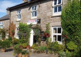 The Golden Lion Inn and Lakeside Restaurant, Stithians Lake, Redruth, West Cornwall
