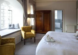 Hotels and bed and breakfasts in Truro