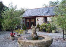 Trevaskis Dairy, Self-catering, Hayle, West Cornwall