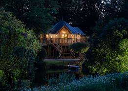 treehouse, Cornish treehouse, family, stay in a treehouse, tree, house, tree house, Clowance
