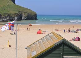 Seaview, Mawgan Porth, Cornwall, Accommodation