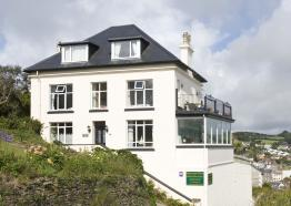 Bed and Breakfast in Cornwall ,  Honeycombe House , Mevagissey ,  Cornwall