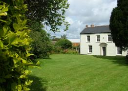Tregonan Farmhouse, Bed and Breakfast, Tregony, South Cornwall