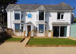 A Warm Welcome awaits at Count House Cottage B&B, Carbis Bay, St Ives