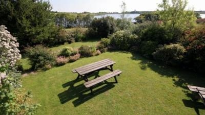 The Golden Lion Inn and Lakeside Restaurant, Cornwall, beer garden