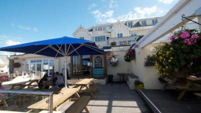 The Oystercatcher Bar, Polzeath, Cornwall, beer garden, drinks, outdoors