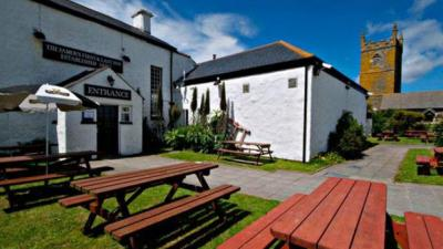 The First and Last Inn, Sennen, Cornwall, beer garden, drinks, outdoors
