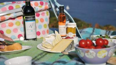 A Cornish picnic, wine, cider, cream