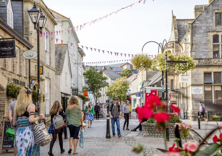 Christmas shopping in Truro, Visit Cornwall